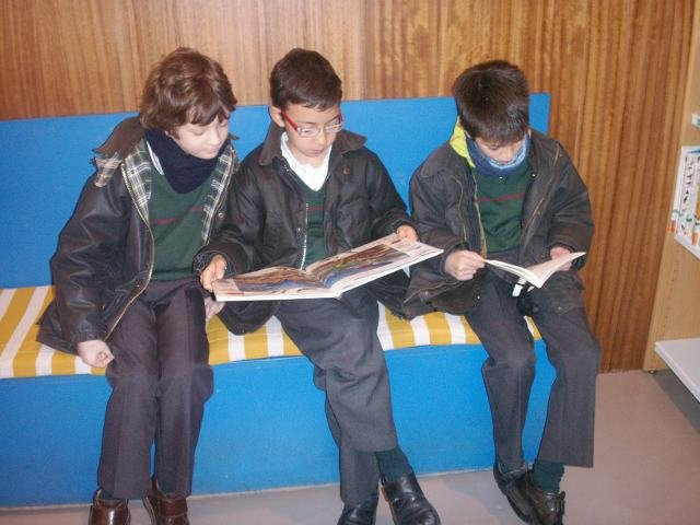 "Visita a la biblioteca ""Torrente Ballester"""
