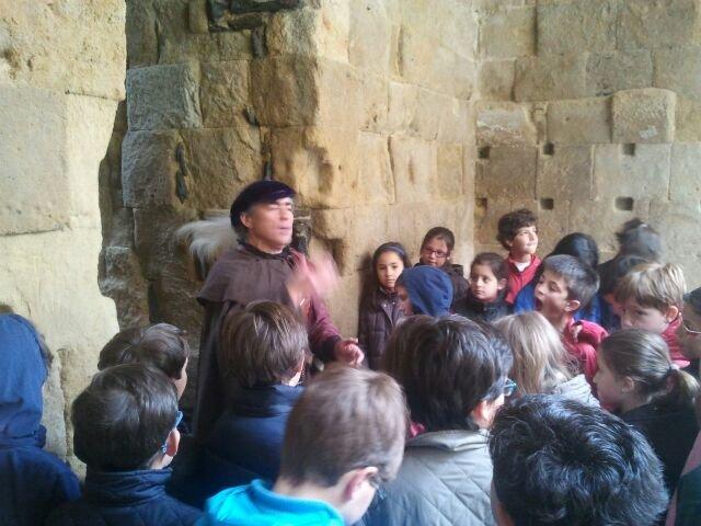 Cueva de Salamanca y la Torre del Marqués de Villena