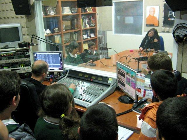 Visita a Punto Radio y La 8