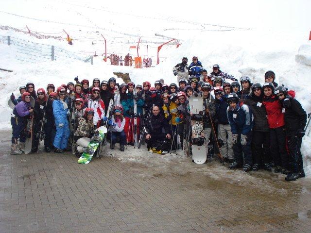 Los alumnos de E. Secundaria disfrutan de la nieve