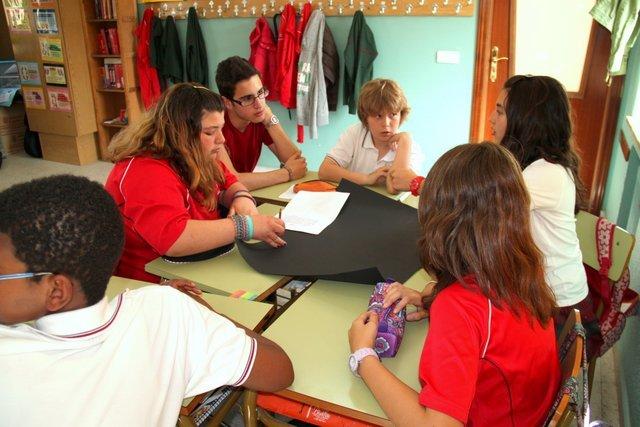 Abrazo Solidario 2012. Manos Unidas