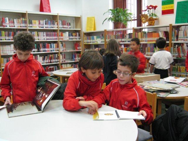 """Visita a la biblioteca """"Gabriel y Galán"""""""