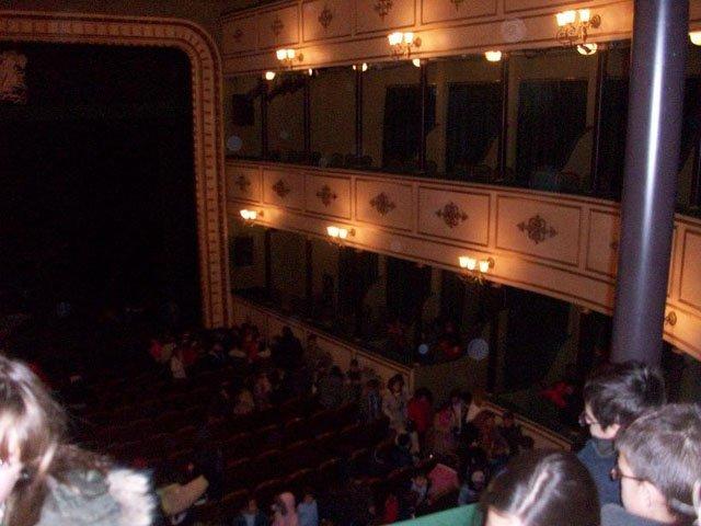 Los escolares van al teatro