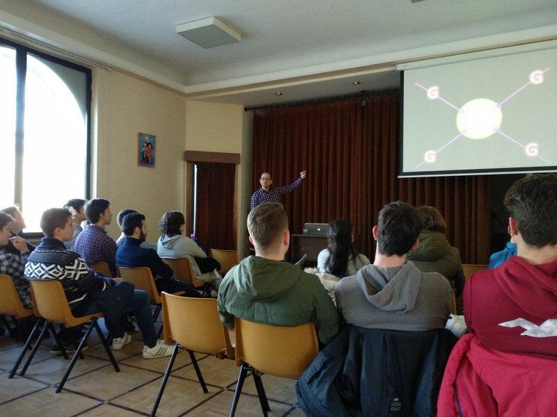 """Sesión orientativa sobre la labor de """"hacer ciencia""""."""
