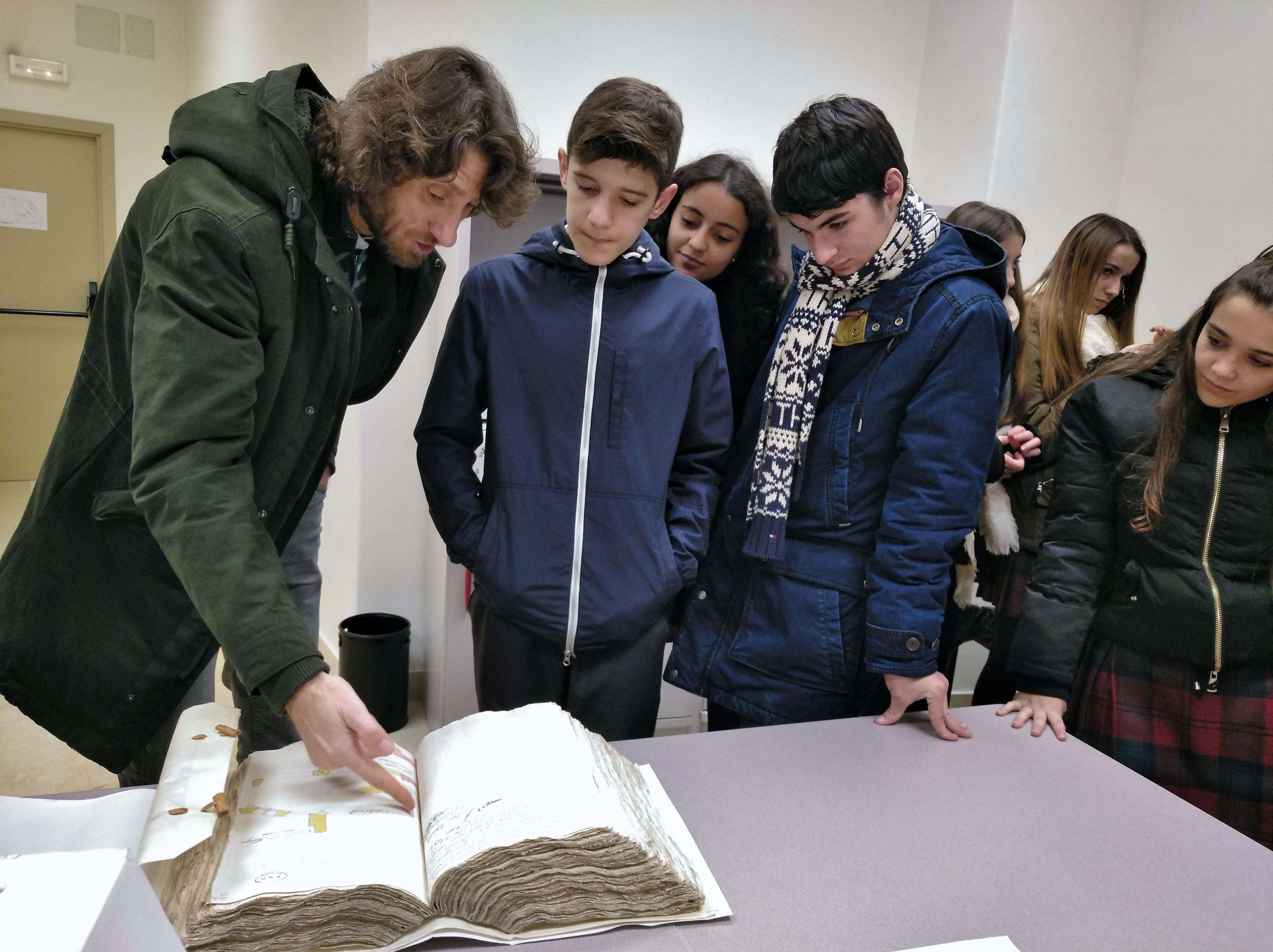 Los alumnos de 4º A de ESO visitan el Archivo Histórico Provincial de Salamanca