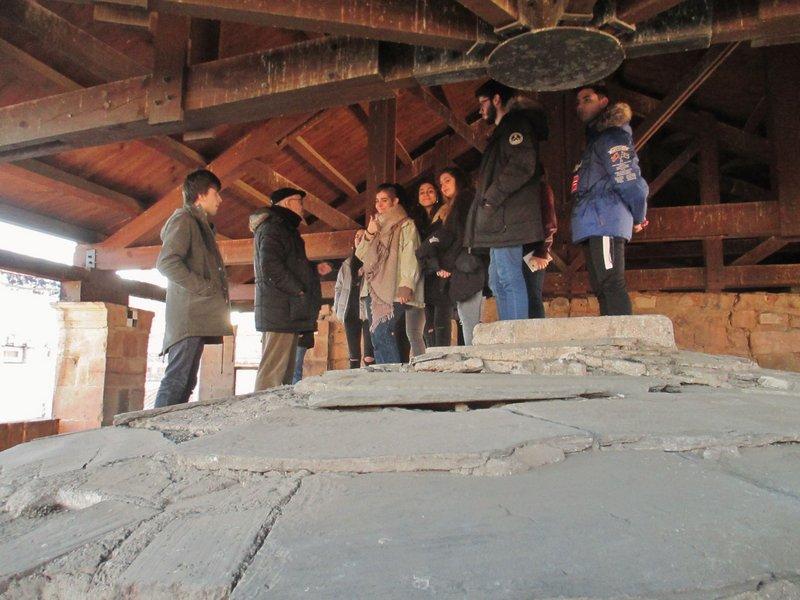 Los alumnos de 2º de Bachillerato visitan la iglesia parroquial de San Martín.