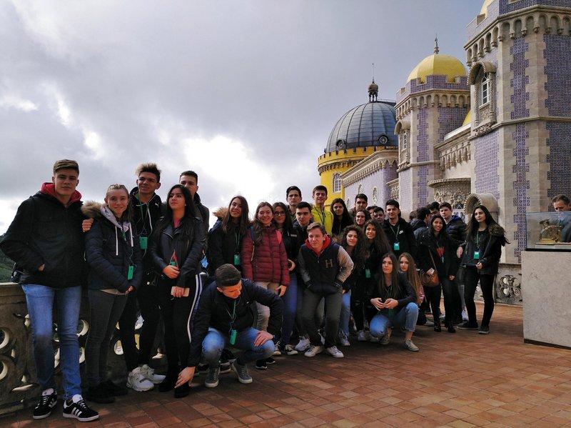 Primero a Lisboa y Segundo a Roma.