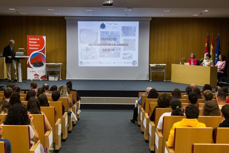 Entrega de diplomas del Proyecto SWI-Micromundo.