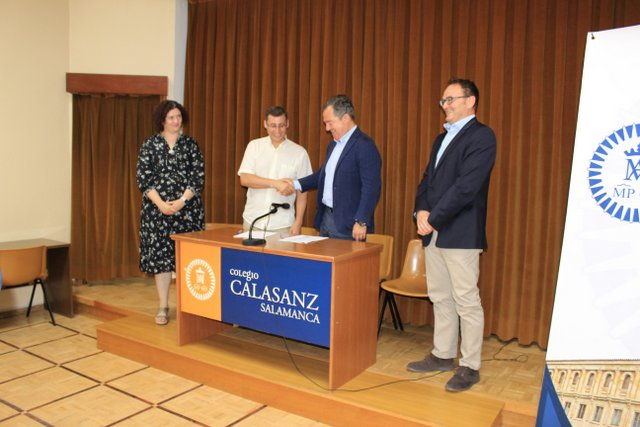 Convenio de colaboración entre el colegio Calasanz e Indra.