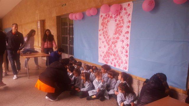 """El colegio Calasanz se """"viste de rosa""""."""